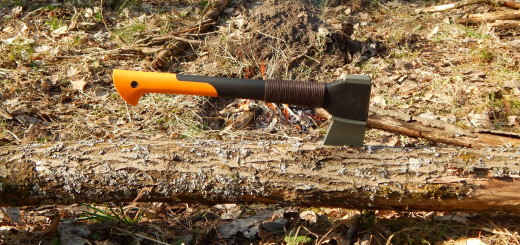 Обзор топора Fiskars X10 - secretsquirrel.com.ua